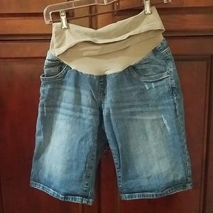 NWOT Oh Baby by Motherhood size M shorts